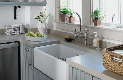 Kitchen with stain resistant countertop, backsplash and appliances
