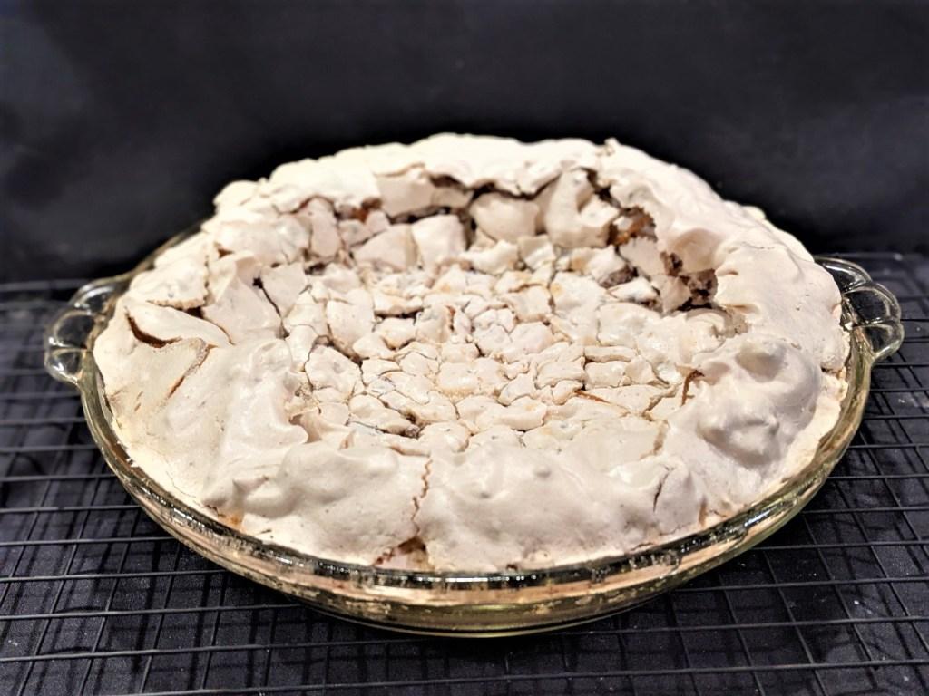baked meringue pie crust