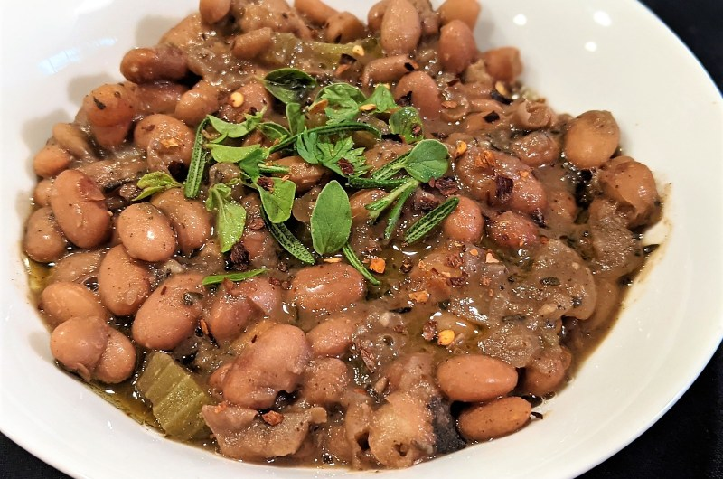 Herby Garlic Pinto Beans