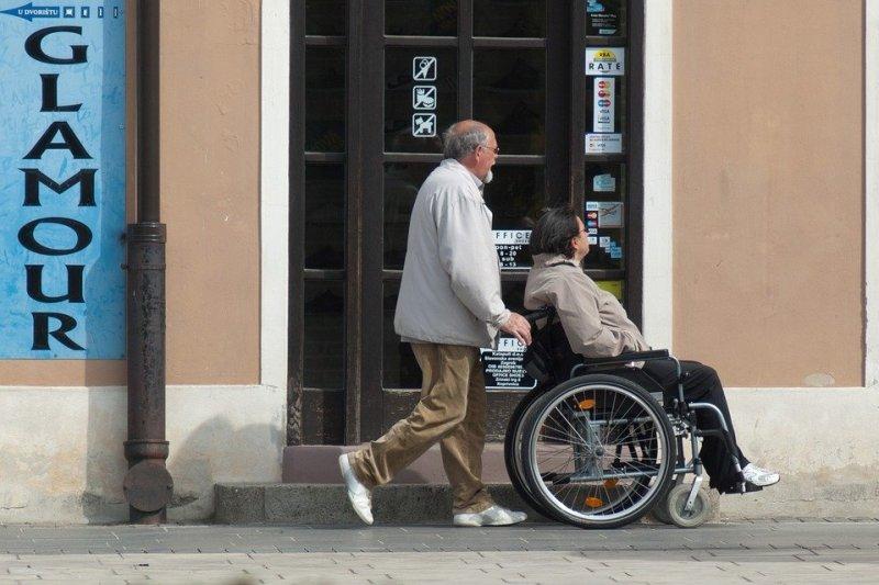 Les personnes handicapées ne sont pas le seules à être isolées, leurs accompagnants le sont aussi.