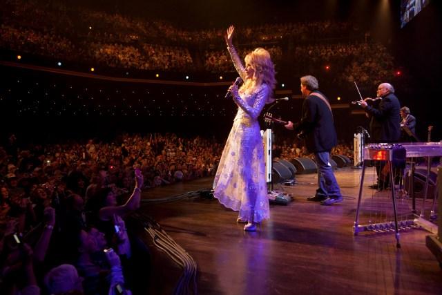 Dolly 2011 Chris Hollo 5505