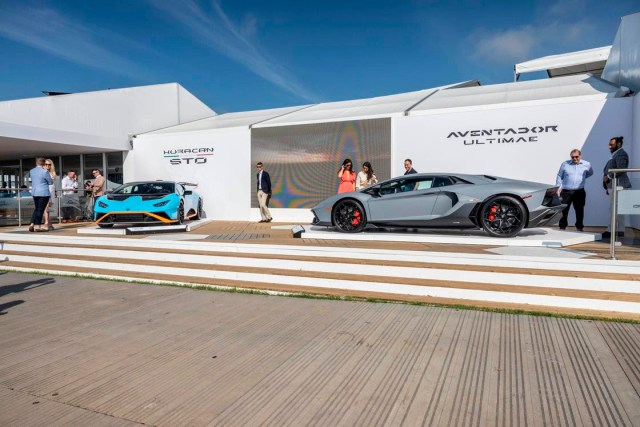 IMPRINTent, IMPRINT Entertainment, YOUR CULTURE HUB, Lambo, Lamborghini, Fast Cars, Luxury Cars, Aventador, Automobili Lamborghini, Stephan Winkelmann, Luxury, Luxury Cars, V12, Carbon Fiber, Technology, Tech