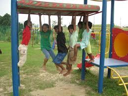 kids on monkey bars
