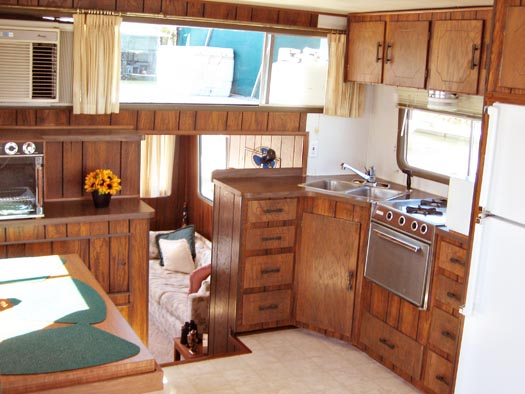 Tracy Metro's houseboat reno