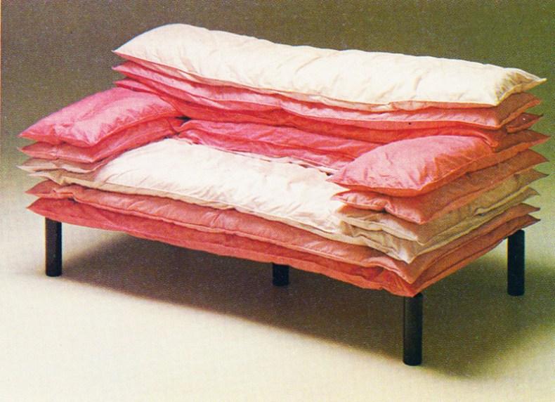 Aqqindex pink Sergio de Michiel, Le Illusioni Sofa, for Barnaba Visconti, 1981