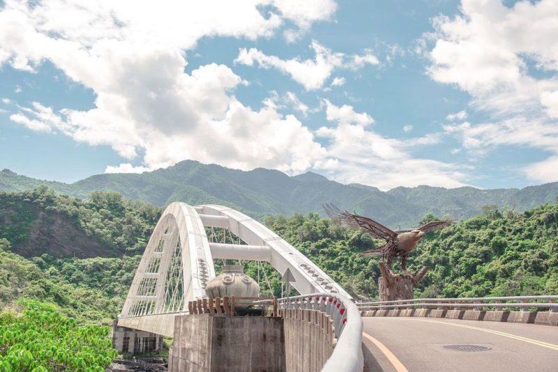 龍頭山老鷹谷,多納大橋,高雄景點