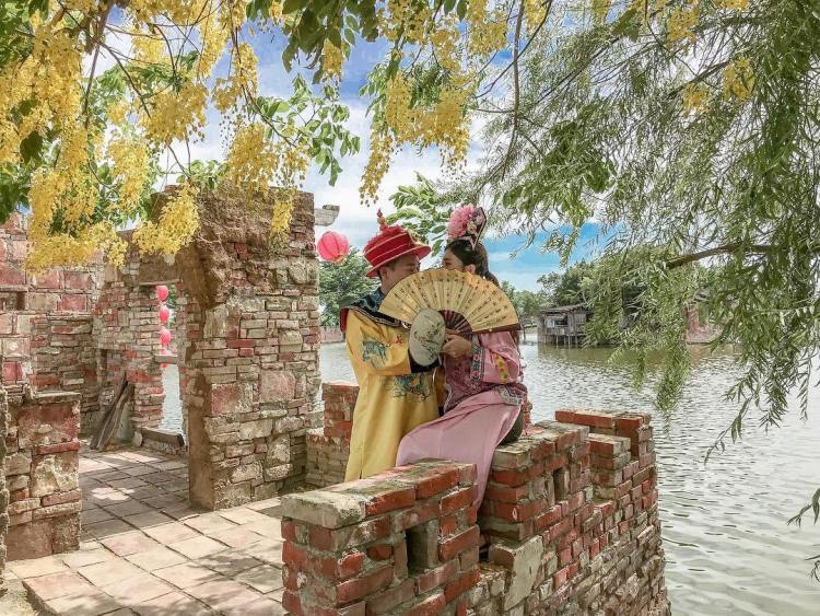台南景點懶人包   老塘湖藝術村是台灣景點中少有中國古典風格的景點,園區內可租借古裝,拍個妳我的甄環傳。
