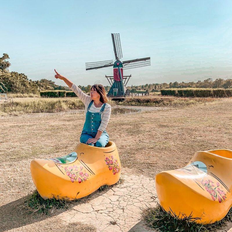 台南景點懶人包   德元埤荷蘭村位於台南柳營,有網美網紅不可缺少的打卡荷蘭木鞋,亦有荷蘭風車景觀,是台灣最有荷蘭風格的景點。