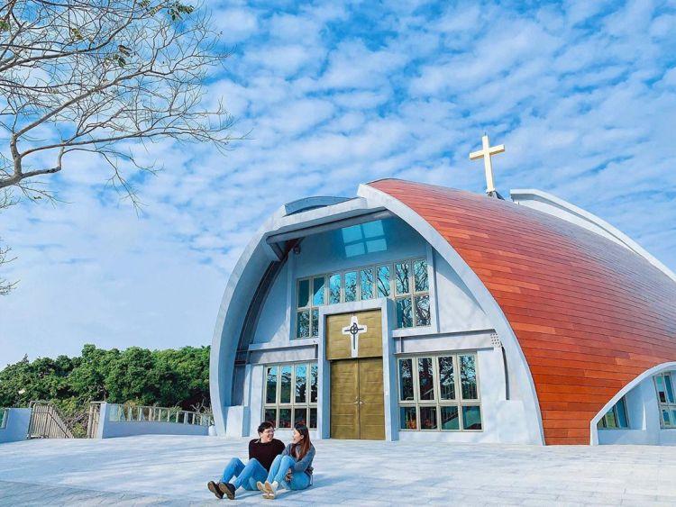 靜宜大學主顧聖母堂,結合了魚、竹子、竹筍等意象,是近期最火紅的拍照打卡景點。