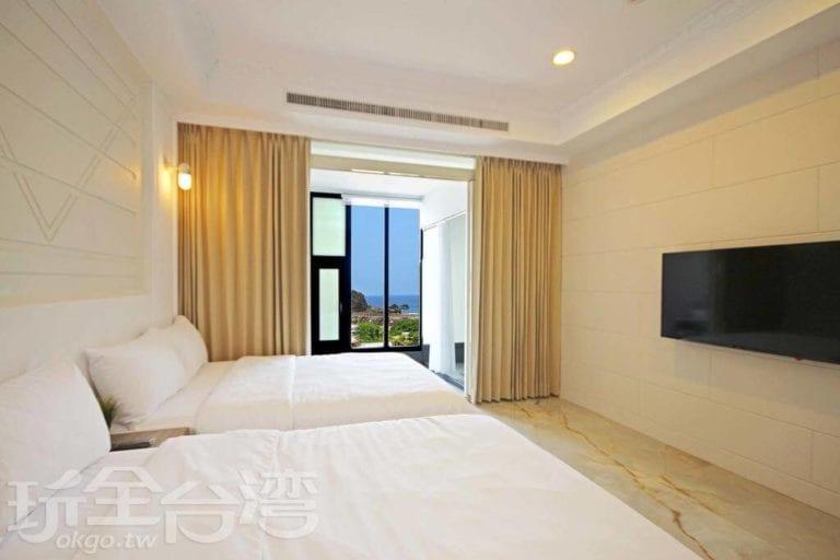 「綠島 House 16 民宿」採取多間漂亮的採光良好房間,超級適合大家族一起來綠島出遊!