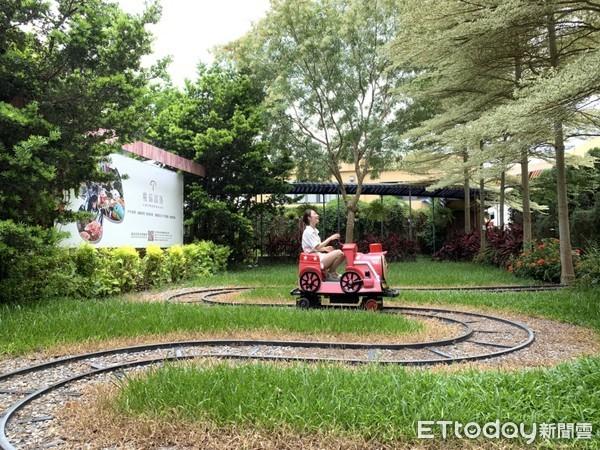 魔菇部落生態休閒農場小火車