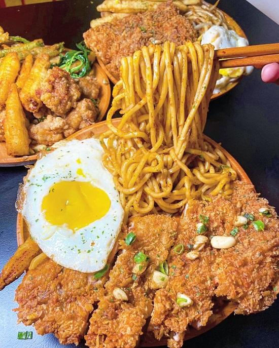 開小伙 宵夜 炸雞 鐵板麵 寧夏夜市美食,台北夜市,夜市美食,台北美食,夜市小吃