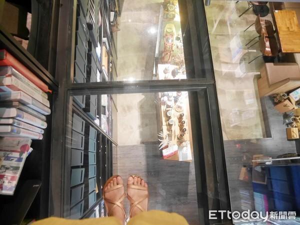 捷運南京復興|不限時咖啡廳推薦!咖啡兼圖書館的工作空間