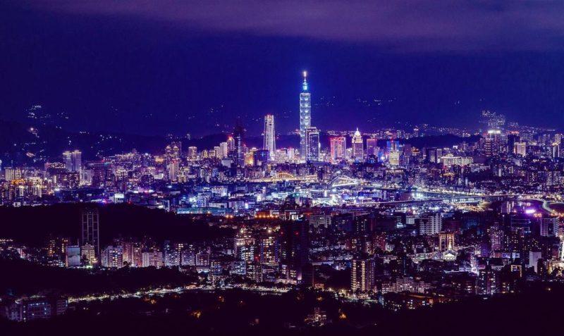 台北內湖碧山巖夜景