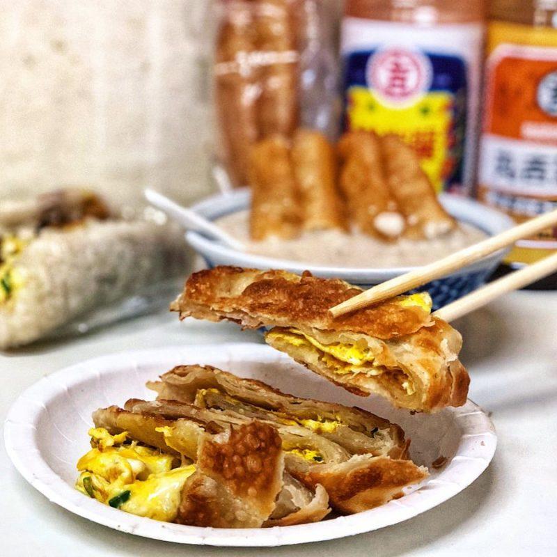 石牌實踐街48巷傳統手工蛋餅|石牌站美食|蛋餅推薦
