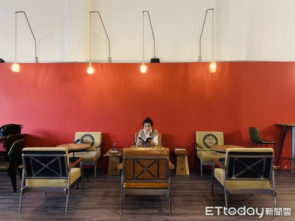 ▲▼嘉義神祕咖啡廳「國王。蝴蝶。秘密基地」。(圖/記者周姈姈攝)