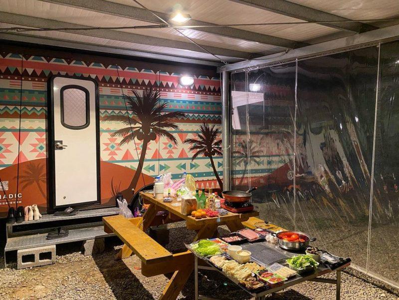 新竹露營 威尼斯溫泉路營車露營車戶外客廳區