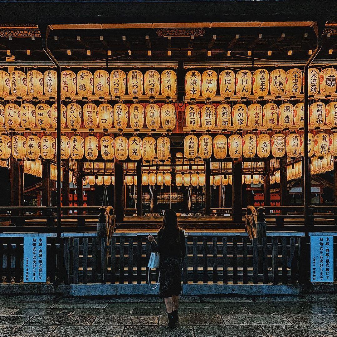京都神社 八阪神社舞殿