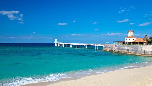 ▲沖繩觀光巴士路線-部瀨名海中展望塔。(圖/Tripbaa趣吧!亞洲自由行專家)