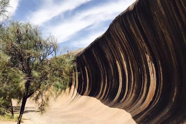 ▲澳洲伯斯景點-約克鎮波浪岩。(圖/Tripbaa趣吧!達人帶路)