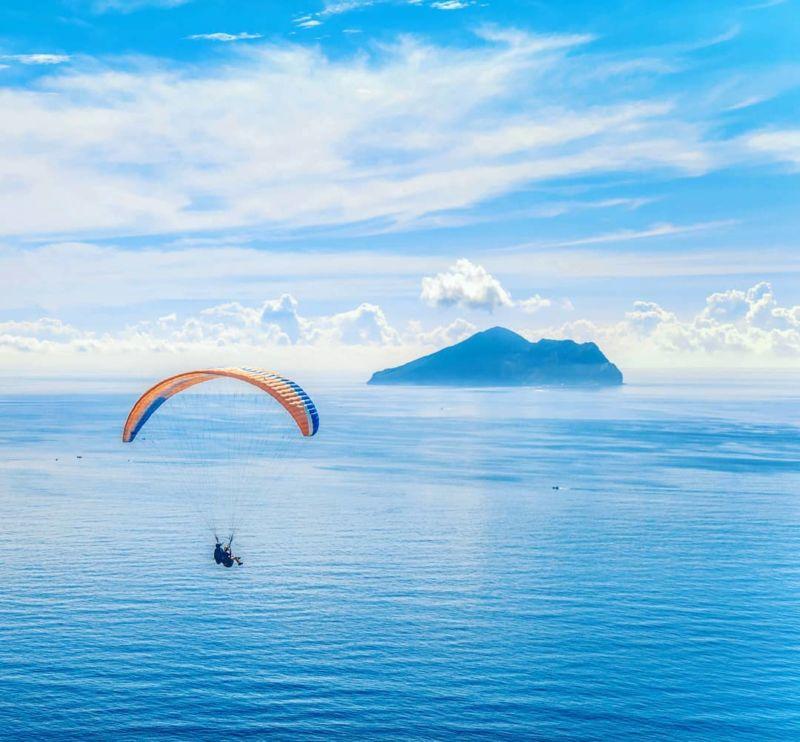宜蘭旅遊外澳沙灘飛行傘