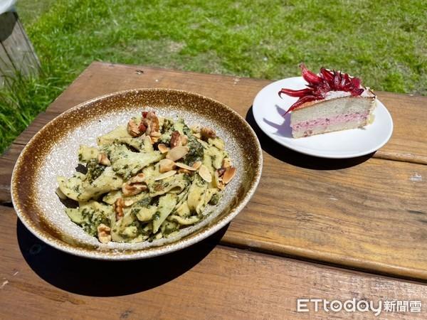 融合在地食材和歐式料理的「荖葉青醬義大利麵」。