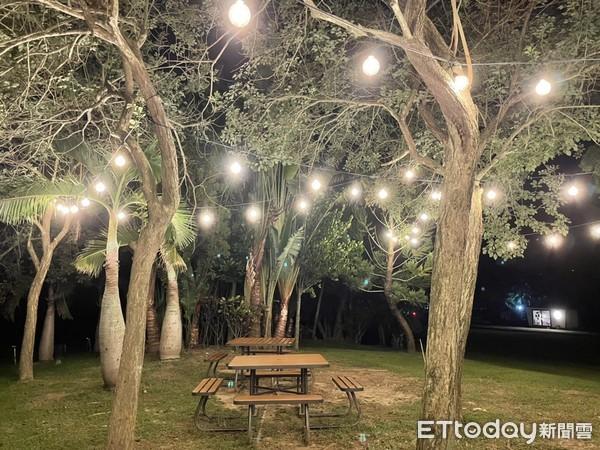 ▲遊走園區中會發現到處都掛滿很多燈飾,這其實也是斑比跳跳的巧思。