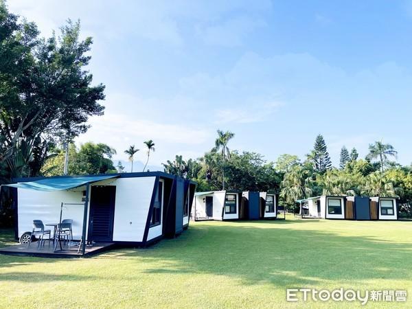 ▲露營車可以選要面湖景還是草原景。