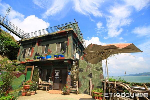 刺鳥咖啡書店入口