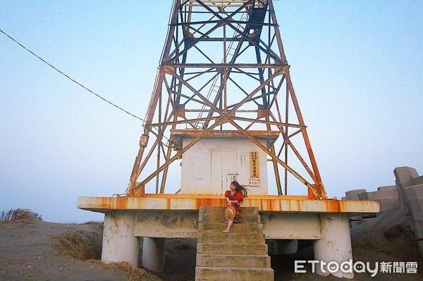 ▲頂頭額沙洲旁就是本島極西點國聖港燈塔。(圖/記者蔡玟君攝)