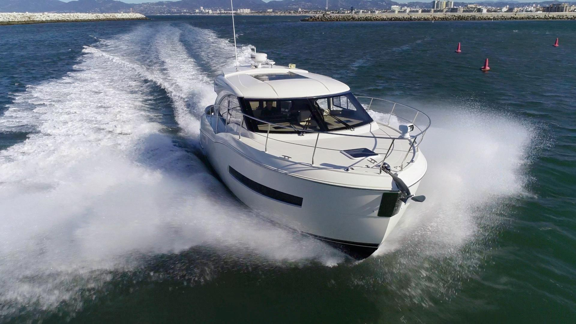 hight resolution of miss megan carver 2016 c37 coupe 37 yacht for sale in us
