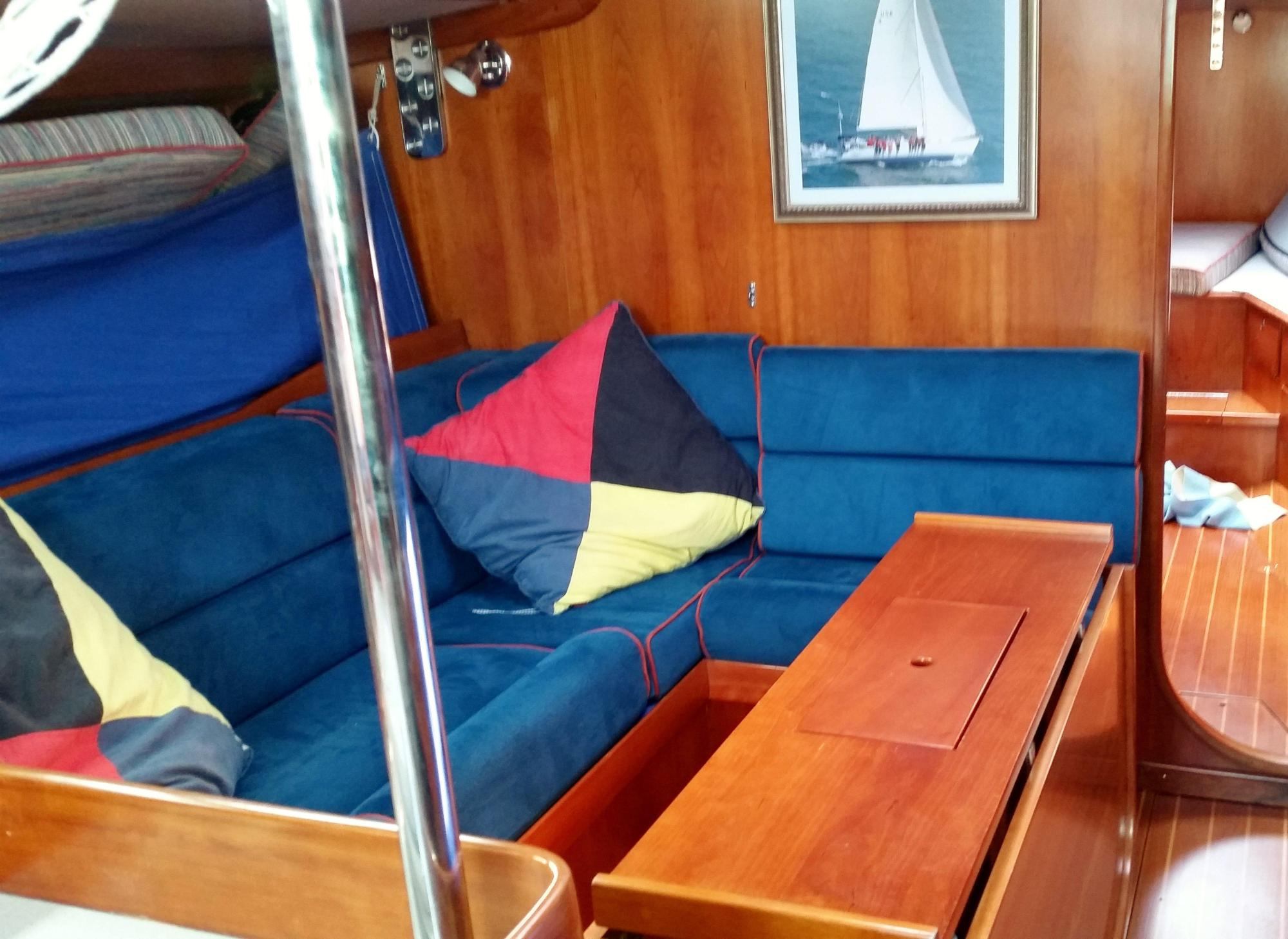 hight resolution of 46 j boats main cabin