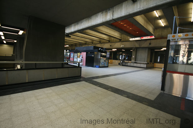 Place DArmes Metro Station Montreal