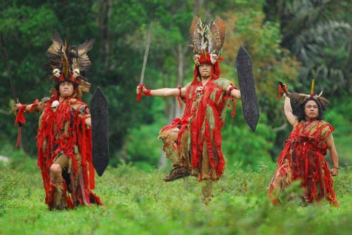 Kebudayaan Sulawesi Utara Rumah Pakaian Kesenian Lengkap