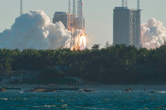 Watch Debris From The Chinese Rocket Falling To Earth