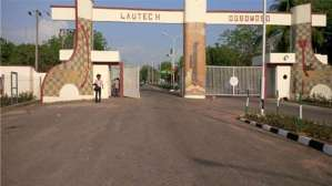 Lautech students protest against increase in tuition fee from 72,500 to 250,000