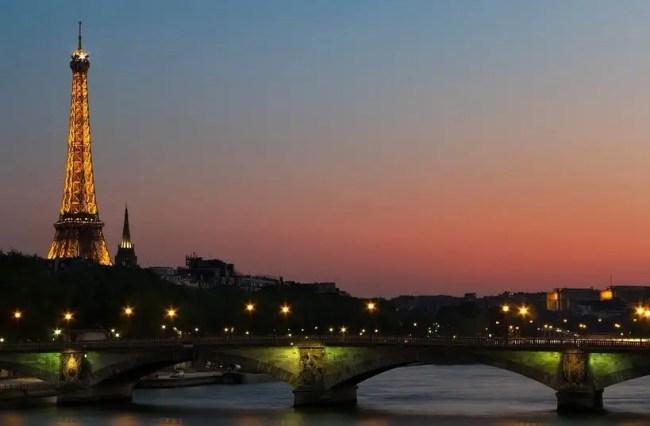 eiffel-at-night Seine