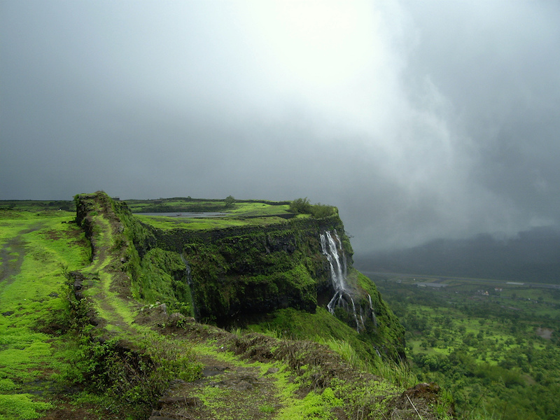 8 Most Romantic Monsoon Destinations in India