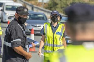 Η αστυνομία επιβάλλει πρόστιμο σε 203 πολίτες, μια προϋπόθεση για παράβαση των εγκλημάτων