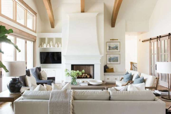 TV and fireplace in one room where to place TV focus point tv height