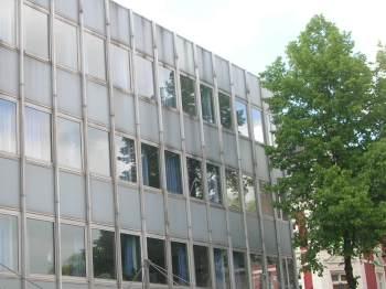 Das Bürohaus an der Ecke Hauptstraße/Konrad-Adenauer-Platz hat die Stadt angemietet