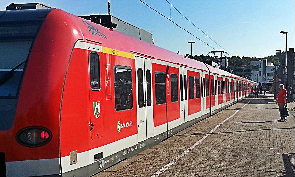 Die meisten Bahnfahrer haben aufgegeben: Fährt doch mal eine S-Bahn, bleibt sie weitgehend leer