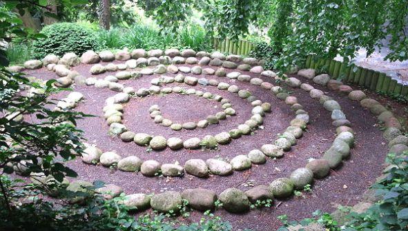 Das Labyrinth im Begräbniswald