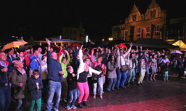 Konzert beim Stadt- und Kulturfest auf dem Konrad-Adenauer-Platz