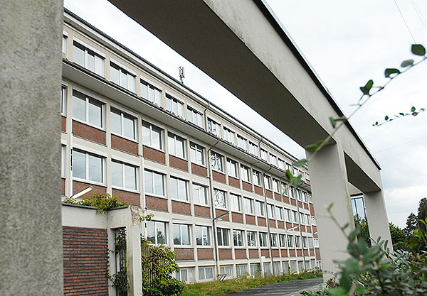 Der ehemalige Lübbe-Verlag in Heidkamp. In diesem Gebäudeteil sollen 100 Flüchtlinge einziehen.