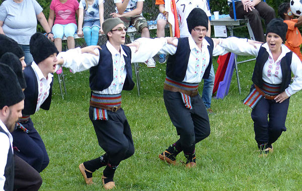 Caritas Flohfest Tanz 600