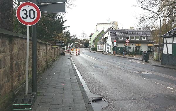 Die Odenthaler Straße, fast Baustellen-frei - für den Moment