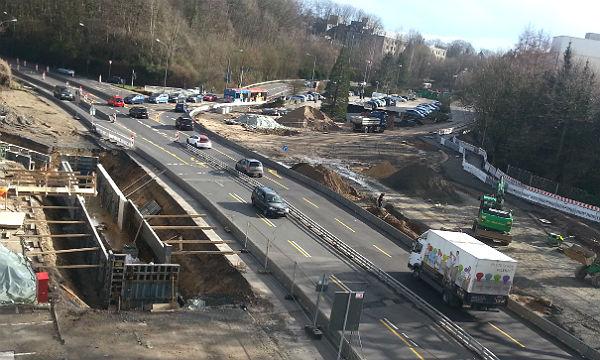 Der Verkehr wird nicht behindert, die Bauarbeiten gehen weiter