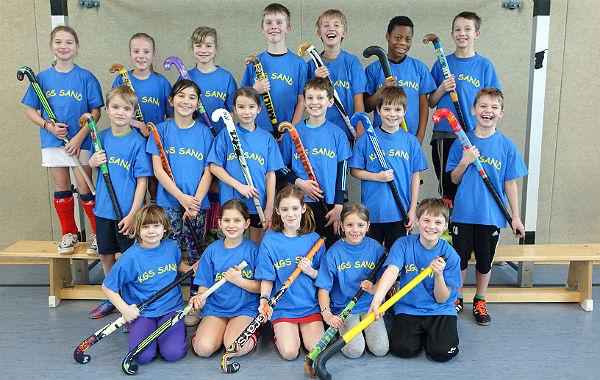 Die Hockey-Mannschaft der Katholischen Grundschule Sand, Foto: KGS Sand