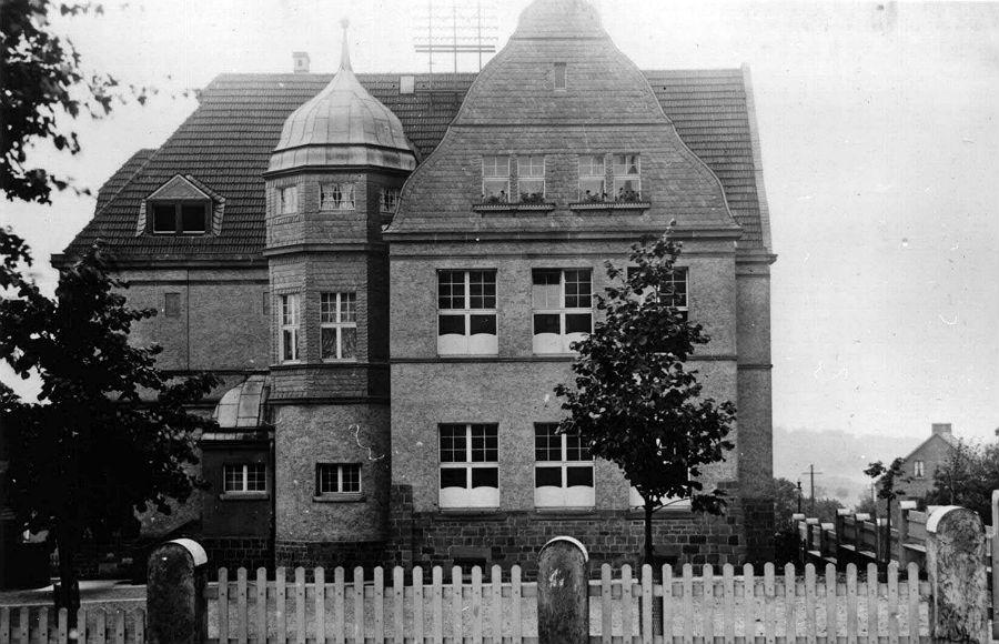 Das Gebäude des heutigen Progymnasiums in Bensberg um 1907